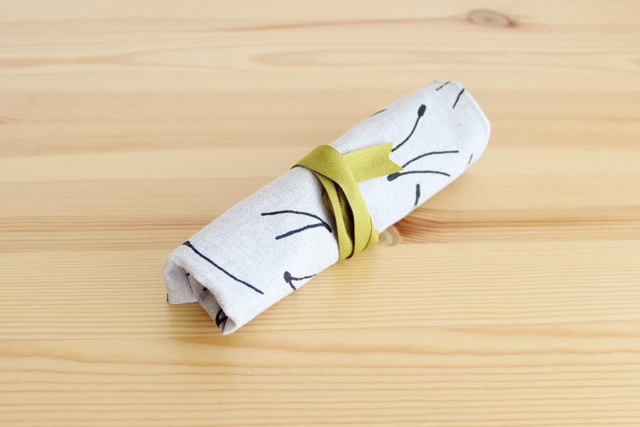 クルクルクル〜がくせになる、巻物型ペンケースの作り方