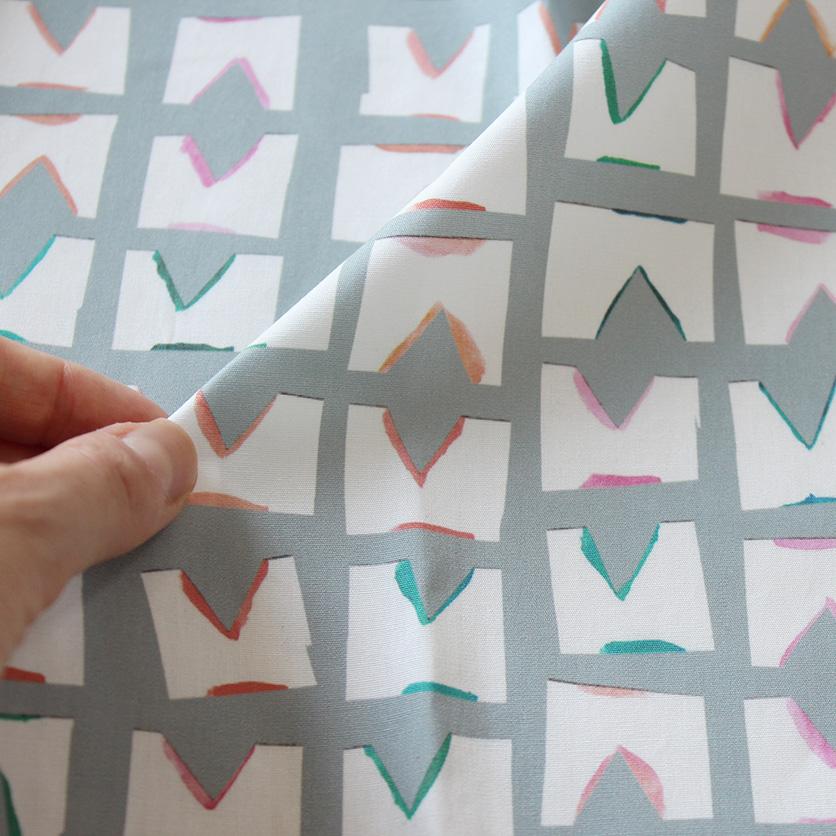 nunocoto fabric:tile(グレー)